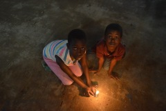 Children-at-the-Candle-Night-Event