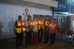 Dignatries-Ligthening-the-candles-to-remember-the-dead-2